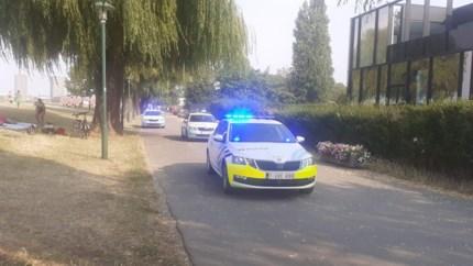 Politie massaal naar strand Sint-Anneke voor opstootje