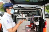 Welkom bij de groenste wijkpolitie van Vlaanderen: deze agenten krijgen er vier elektrische wagens bij