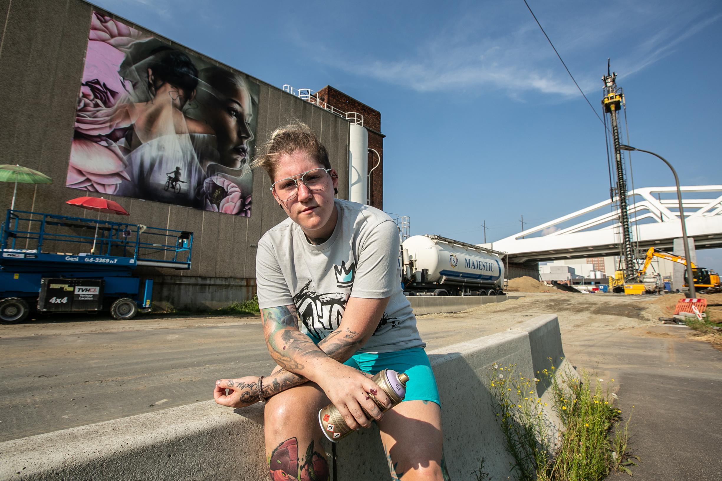 Indrukwekkend graffitikunstwerk voor Julie Van Espen aan Vaa... - Gazet van  Antwerpen Mobile