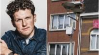 """Comedian en Schotenaar Michael Van Peel is geen fan van politiecamera's: """"Ik wil niet overal en continu gecontroleerd worden"""""""