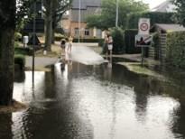 Fel onweer zet straten blank, brandweer moet water wegpompen