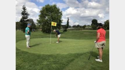 Leer met je bubbel golfen via een professional bij Antwerp Golf School