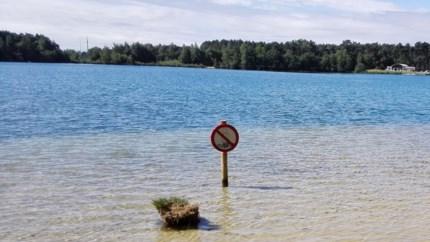 Streng verbod op zwemmen in Warandeplas