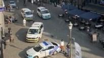 Politie rukt massaal uit naar Grote Markt na incident: drie verdachten opgepakt