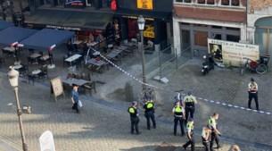 Politie rukt massaal uit naar Grote Markt na schietincident: drie verdachten opgepakt