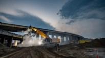 Afbraak van bruggen op Linkeroever levert spectaculaire beelden op