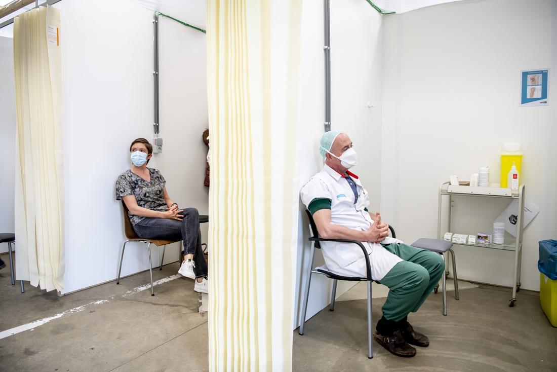 Vanaf nu moet het vaccineren sneller en beter: zo willen de ministers dat doen - Gazet van Antwerpen