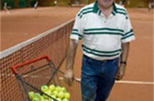 Tenniscentrum Kromveld staat te koop