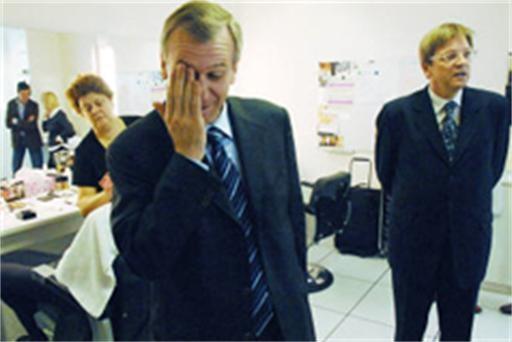Verhofstadt al in de clinch met Leterme