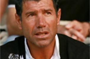 Enzo Scifo is de nieuwe trainer van Moeskroen
