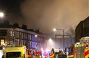 Brand  in Londense Camden Town onder controle - Fotoalbum