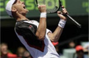 Davydenko verslaat Nadal in finale van Miami