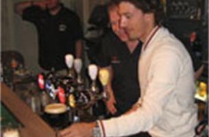 Cancellara tapt pintjes voor zijn fanclub in Koningshooikt