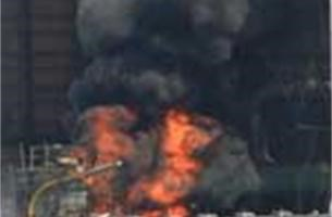 Zware brand in Antwerpse raffinaderij (  Fotoalbum)