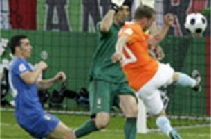 """""""Oranje maakte twee goals uit buitenspel"""""""