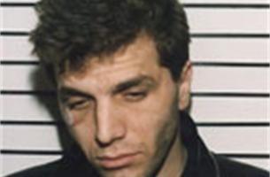 Ontsnappingskoning Kapllan Murat op vrije voeten