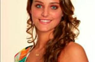 Emile Mpenza papt aan met eredame Miss Belgian Beauty