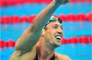 Alain Bernard wint topnummer van de zwemcompetitie