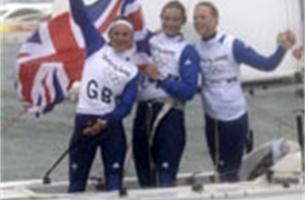 Britse vrouwen verlengen titel in Yngling