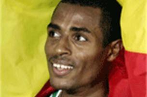 Kenenisa Bekele grijpt goud op 10.000 meter, Gebre vijfde
