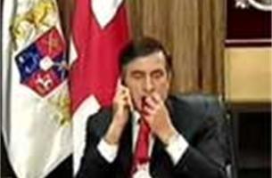 Georgische president kauwt dassen tegen de stress ( filmpje)