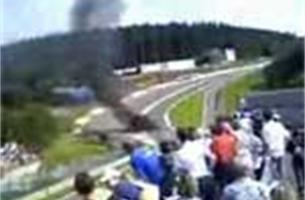 Limburger komt ongeschonden uit zware crash op '8 uren van Spa'