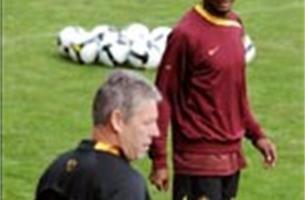 Rel bij voetbalbond: mag Tchité spelen of niet?