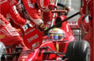 Felipe Massa zet de toon in Francorchamps