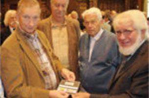 Vijftigjarig Neerland nog niet uitgevierd