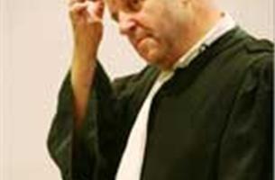 Rechter mag zelf voorstellen om kosten advocaat te halveren