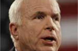 McCain verdedigt Obama en wordt uitgejouwd (video)
