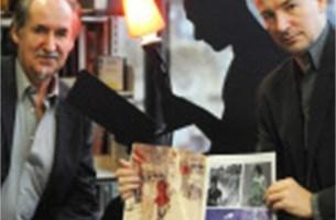 Serge Baeken giet papierstaking in strip