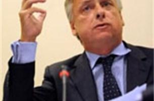 Kabinet waarschuwde Dewael voor promotie secretaresses