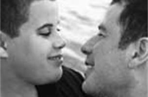 Verpleger Travolta aangeklaagd wegens afpersing