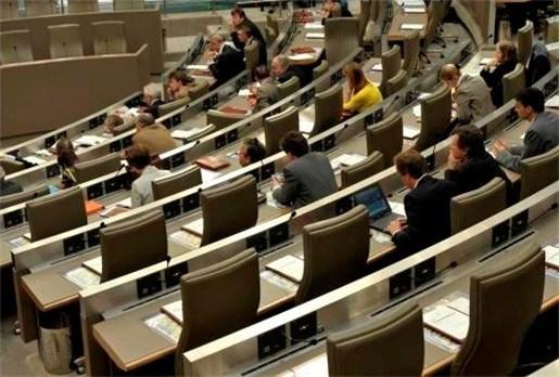 Vlaams parlement roept belangenconflict in tegen herstelplan