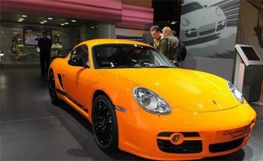 Porsche verkoopt    minder  auto's maar maakt meer winst
