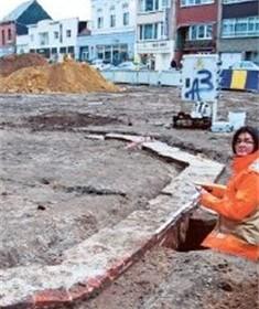 Stadsarcheologen onderzoeken eeuwenoude waterput