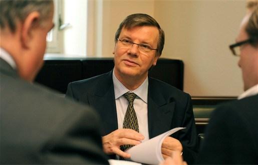 Brussels minister stelt verlaging stralingsnorm uit