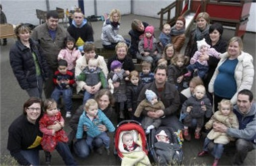 Ouders kamperen tegen sluiting kleuterschool