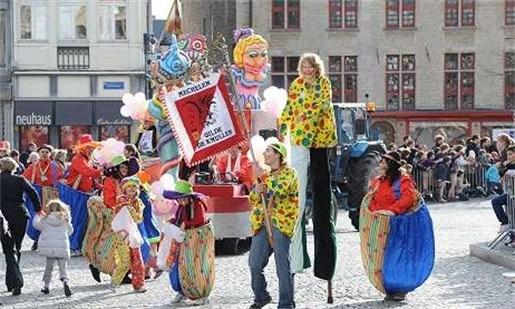 Mechels carnaval trekt veel volk