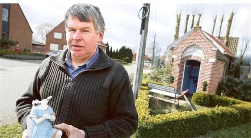 Vandalen vernielen kapelletje in buurtschap Hoek