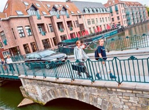 Tieners vluchten voor politie met 170 per uur door Mechelen