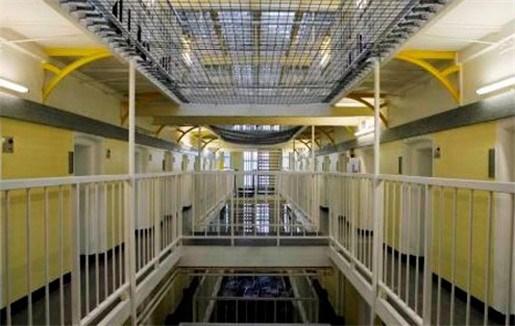 Cipiers mogen niet achter ontsnapte gedetineerden aan