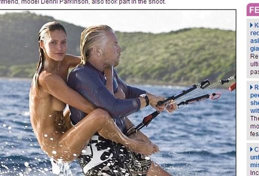 Richard Branson kitesurft met bloot model op zijn rug
