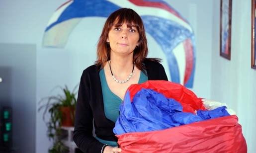 Sinaaise reist naar Frankrijk voor diploma parapente