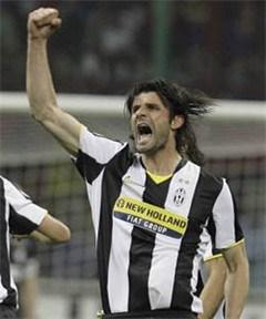 AC Milan blijft steken op gelijkspel, Inter bijna kampioen