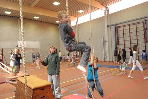 Basisschool bouwt feestje voor gloednieuwe sporthal