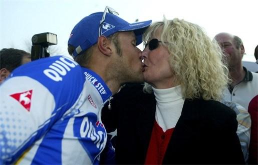 """Moeder Boonen: """"Blijf alsjeblief menselijk"""""""