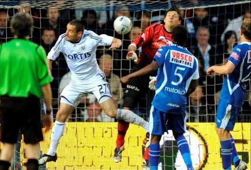 Boussoufa en Wasil klaren overbodige klus: 0-2