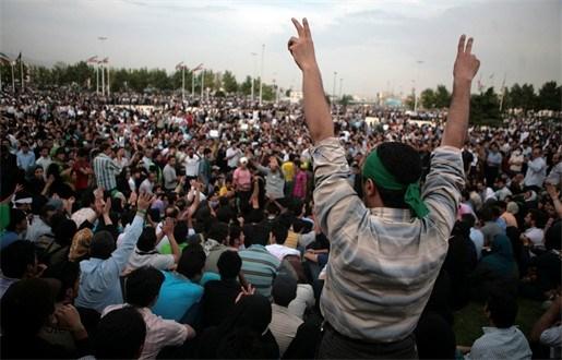 Aanhangers Mousavi trekken opnieuw straten van Teheran op